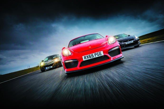 Nissan GT-R vs Lotus Evora vs Porsche Cayman GT4: Maestros del pasado
