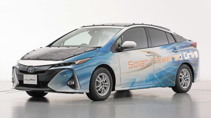 Toyota Prius 'solarizado', la alternativa low cost al Lightyear One