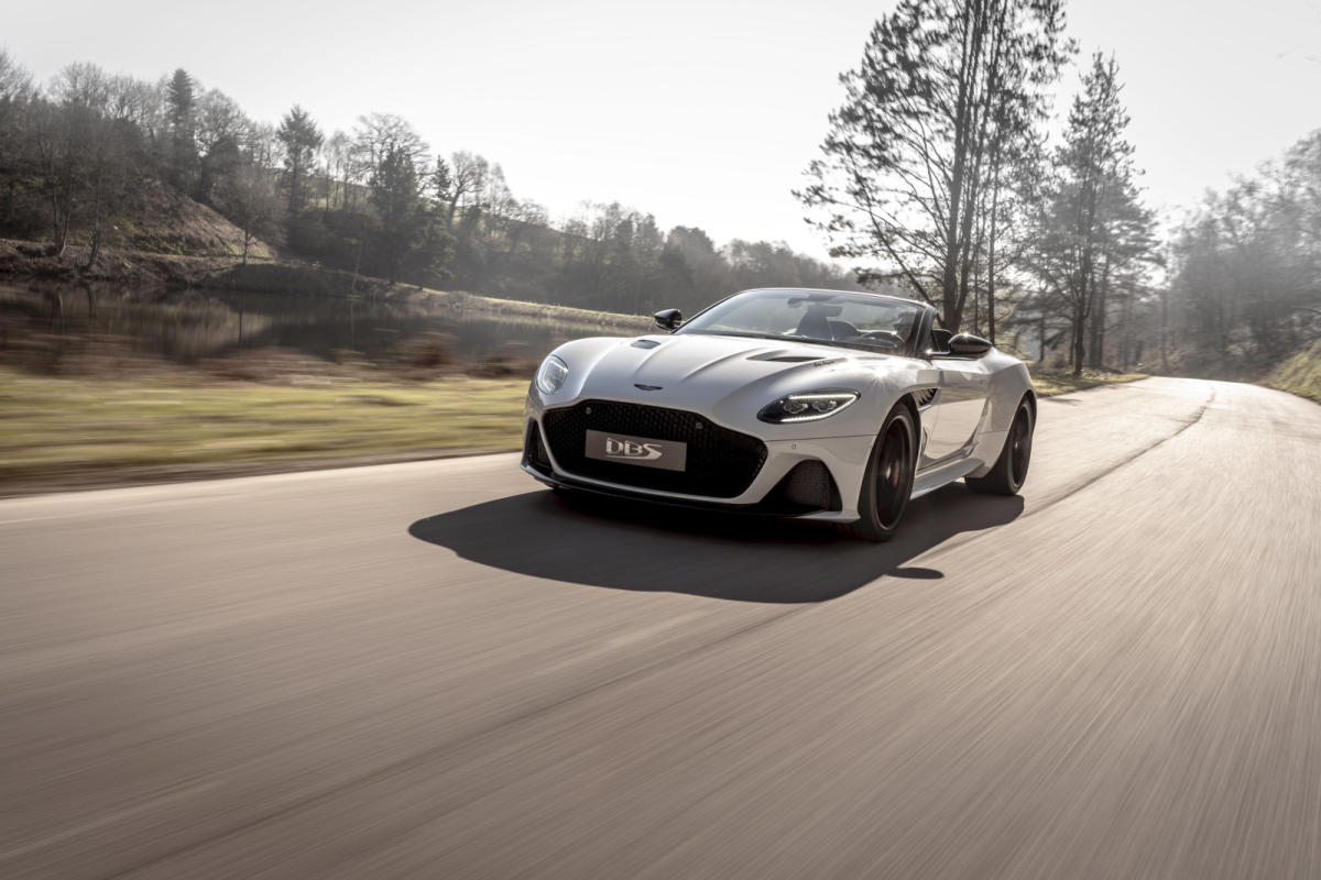 Aston Martin DBS Superleggera Volante: 725 CV a cielo abierto